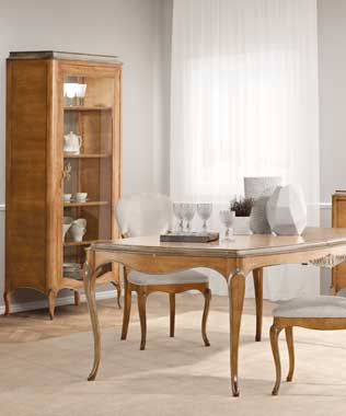 Gala Dining Table